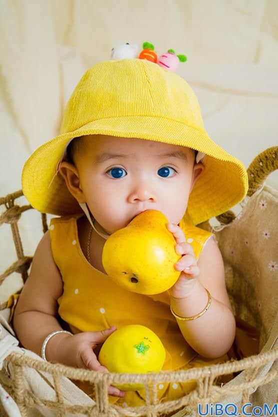 Photoshop人像后期技巧教程:学习用工具给可爱的宝宝照片眼球进行换色。
