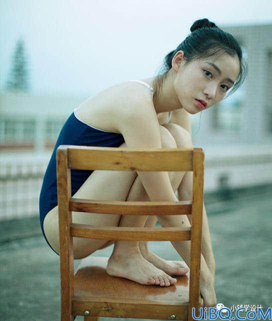Photoshop给室外拍摄的少女人像写真照调出清新冷色调。